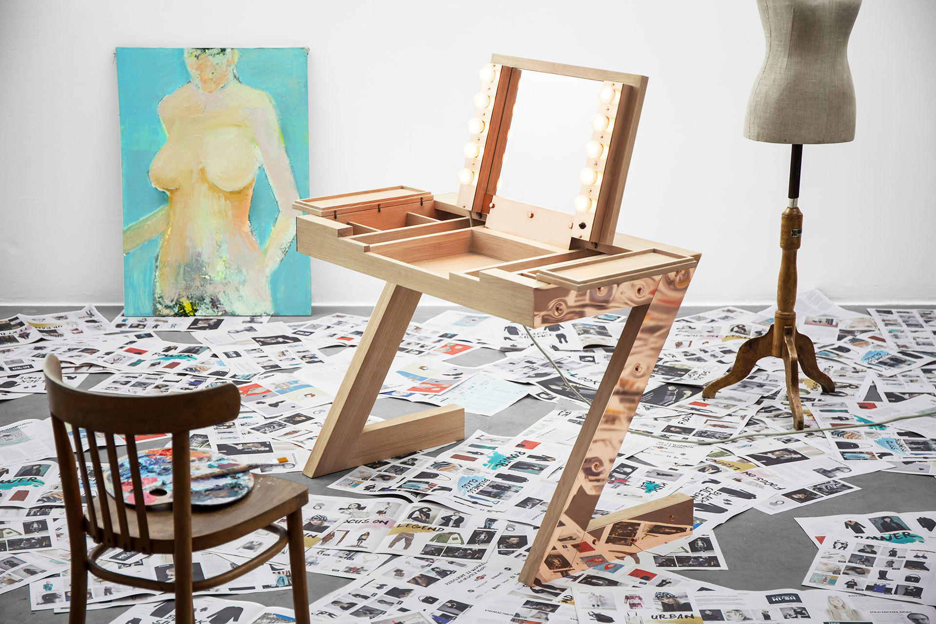 Modern design vanity desk in copper or brass reflekto by zapalgo modern vanity table with hollywood lights and folding mirror geotapseo Images