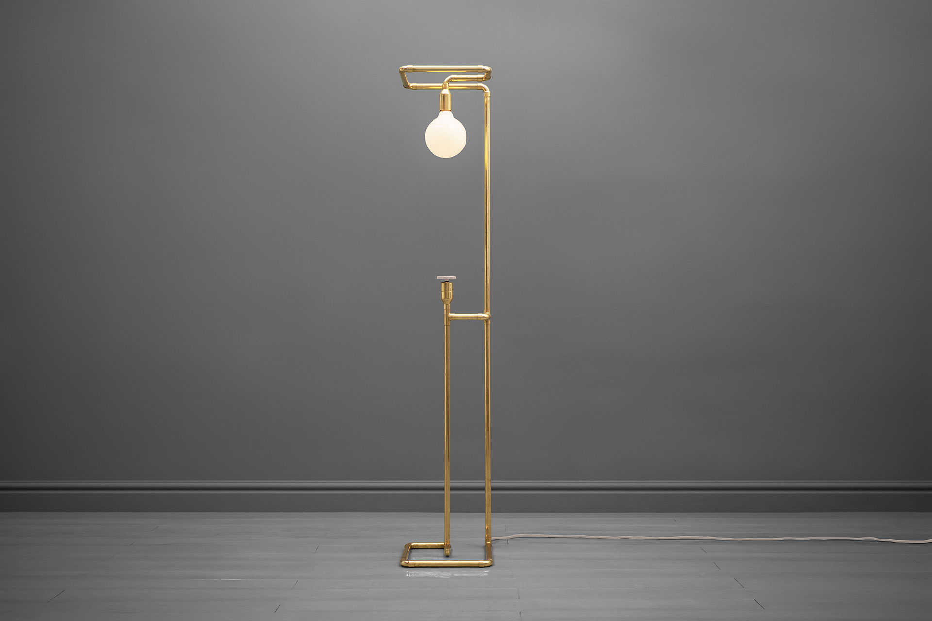 Designer floor lamp with knob dimmer in trendy copper or gold brass inspired by loft style